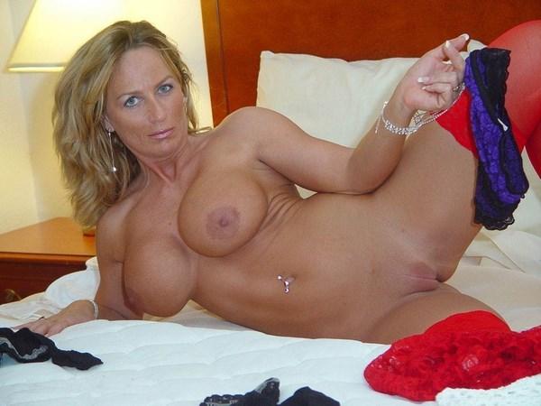 Rencontre sans lendemain avec une cougar blonde